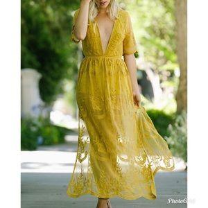 Fashion Nova 1X Mustard Yellow Gold Lace Romper